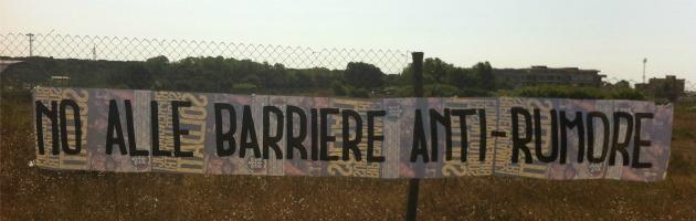 Roma ostia cittadini contro il muro antirumore il - Barriere antirumore giardino ...