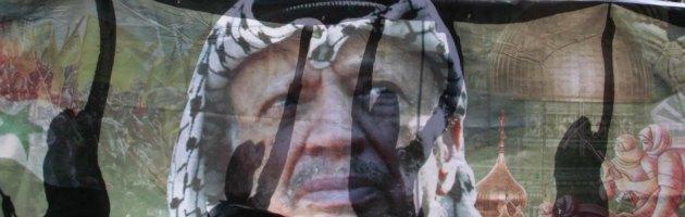 Morte Arafat, in Francia aperta inchiesta per omicidio. Ipotesi avvelenamento