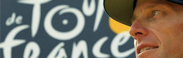 Ciclismo, Armstrong fuori dalla storia: revocate le 7 vittorie al Tour de France