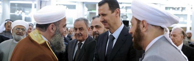 In Siria il Ramadan finisce nel sangue. Nella moschea si rivede Assad
