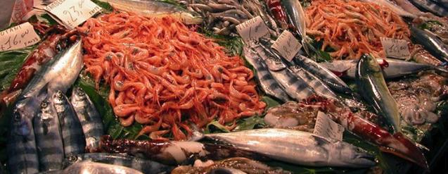 """Mangiare in Sardegna, trattorie e mercati del pesce nella """"barceloneta d'Italia"""""""