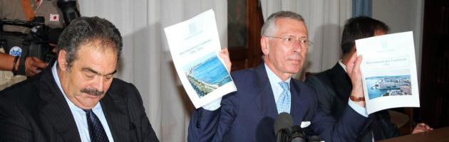 """Taranto, Ilva minaccia: """"O dissequestro acciaio o cassa integrazione per tutti"""""""