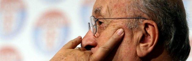 """Campania, vigilessa chiese: """"Perché ancora la scorta a De Mita?"""". Sanzionata"""