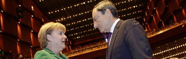 """Draghi: """"Comprare bond dei Paesi a rischio non è stampare moneta"""""""