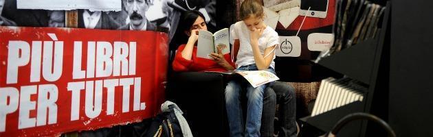 Libri in crisi? Per gli editori il futuro sono gli e-book e le collane digitali