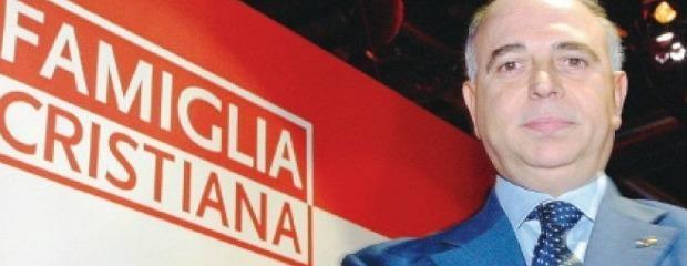 """Famiglia cristiana contro il Pdl: """"Vergognoso silenzio su critiche al Papa"""""""
