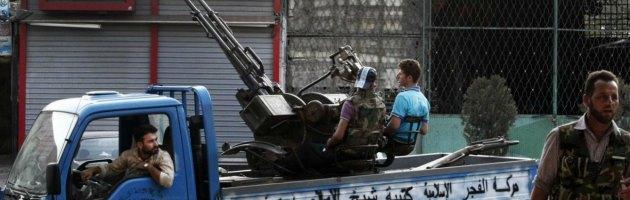 Siria, l'esercito uccide 40 persone a Damasco. Tra loro anche un giornalista