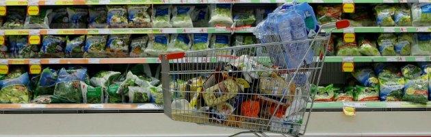 Istat, inflazione sale a 3,2%. Rincaro per il carrello spesa del 4,3%