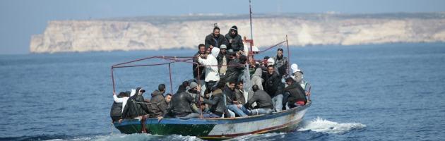 Lampedusa, è di nuovo emergenza sbarchi: 400 tunisini in un giorno solo