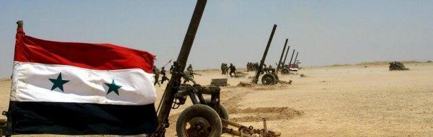 Siria, iniziano le defezioni dal governo di Assad. Ad Aleppo battaglia infinita
