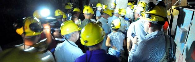 """Sulcis, il governo: """"Non sta scritto che la miniera debba chiudere entro l'anno"""""""