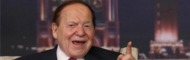 Sheldon Adelson sostiene Mitt Romney