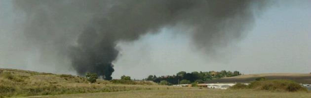 Roma, aereo precipita su una ditta a Ciampino, due vittime