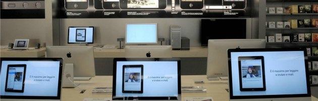 Furto di Anonymous: rubati 12 milioni di profili Apple da un computer dell'Fbi