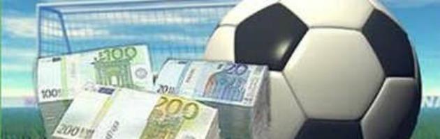 Il pallone in crisi, il calciomercato chiude in attivo tra prestiti e baratti