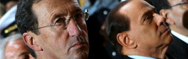 """Lettera Lavitola, Fini: """"Berlusconi corruttore"""". La risposta: """"Lo querelo"""""""