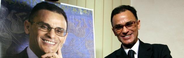 """Deputato assenteista e polemista scortato: Magdi Allam, il paladino """"convertito"""""""