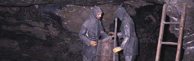 India, inchiesta sulla vendita delle miniere di carbone: danno da 33 miliardi di euro