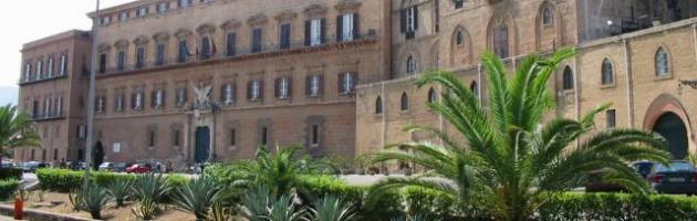 Sicilia, pignorati i conti dell'Assemblea regionale: stop agli stipendi
