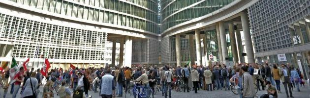 Regione Lombardia, solo Idv e Sel mostrano le fatture: niente spese folli