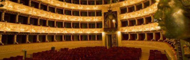 """Teatro Regio, fuggono tutti i soci. I 5 Stelle: """"Protestiamo contro i poteri forti"""""""