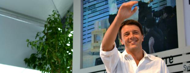 Renzi infiamma la festa dell'Unità. Attacco a Bersani e Casini (video)