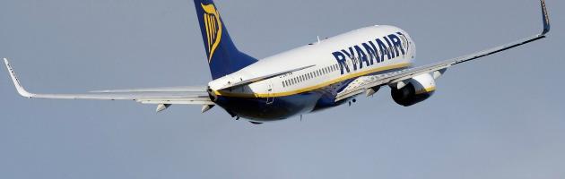 """Ryanair, prove di sindacato: """"Ci hanno censurato le pagine Facebook e Twitter"""""""