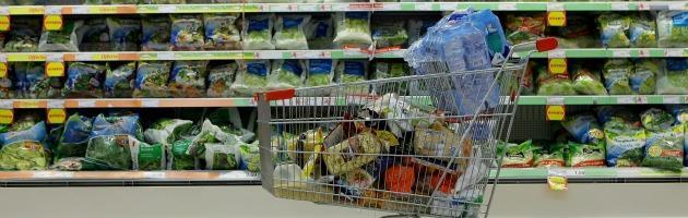 L'Istat rivede al ribasso il Pil del 2,6%. Crollano consumi, industria e investimenti