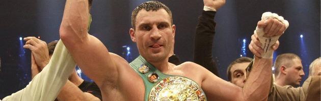 Boxe, sabato ultima difesa 'mondiale' per Vitali Klitschko. Poi la corsa a premier