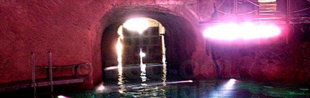 """Berlusconi, ecco le immagini del tunnel alla """"James Bond"""" di villa Certosa"""