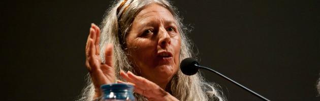 """Norberg-Hodge, la lady dell'ecologia: """"Crisi? Nuove regole e meno global"""""""