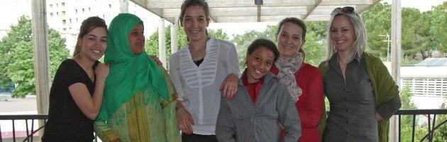 Emanuela, nelle banlieue di Montpellier per insegnare il teatro ai bambini
