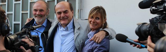 """Bersani apre il tour elettorale dalla pompa di benzina a Bettola: """"Crisi terribile"""""""