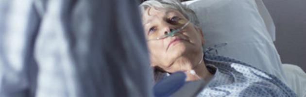 Terapia del dolore, hospice insufficienti e oppiacei tabù: se una legge non basta