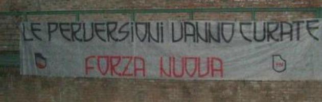 """Forza Nuova, striscione shock sui muri del Cassero: """"Le perversioni vanno curate"""""""