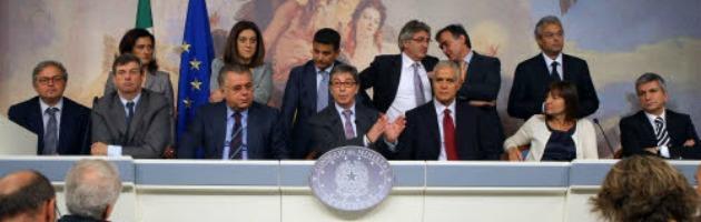 Regioni, la metà dei governatori è indagata. Spese folli non solo in Lazio
