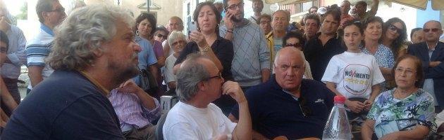 """Sicilia, Grillo in campagna elettorale: """"Non avete bisogno dell'Italia"""""""