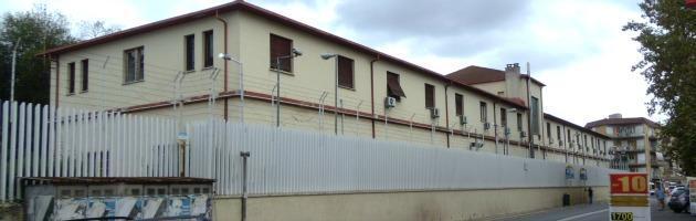 Roma, la Gdf sequestra rifiuti tossici. Intanto nella caserma c'è l'amianto