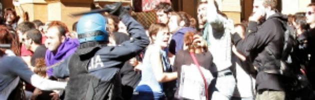 Manifestazione davanti alla Banca d'Italia, indagati 43 studenti