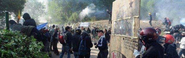 """Tav, file polizia: """"Oltre 4000 i lacrimogeni usati contro manifestanti il 3 luglio 2011"""""""