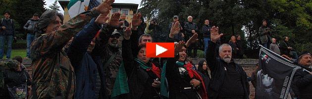 Marcia su Roma novant'anni dopo: in 1000 invadono Predappio (video e foto)