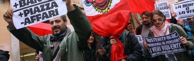 A Bruxelles Pd, Spd e Parti Socialiste offrono l'ennesima stampella alle banche
