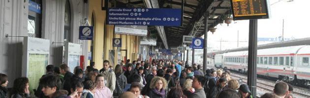 Uomo ucciso a coltellate alla stazione di Bologna