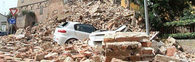 """Finanziamenti Ue per il terremoto, ancora caos. Monti: """"Inaccettabile"""" (video)"""