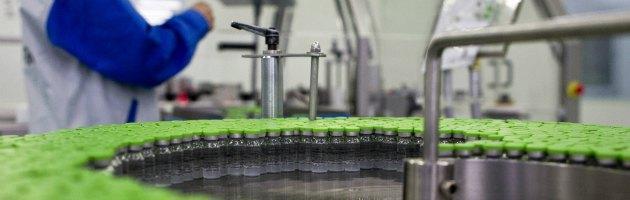 """""""Rischio contaminazione"""", vaccino esavalente ritirato in 19 Paesi. Non in Italia"""