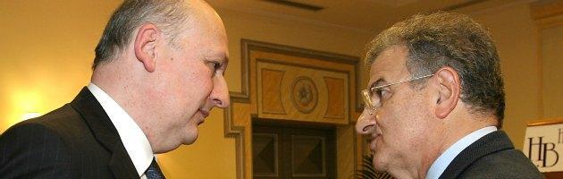"""Primarie Pdl, è scontro Bondi-Cicchitto. E intanto spunta la """"tassa"""" sui sedicenni"""