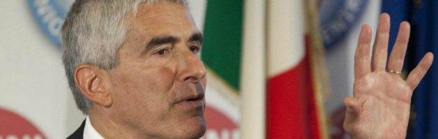 """Elezioni, Casini tende la mano al Pd, ma dice no a Vendola: """"Il problema è politico"""""""