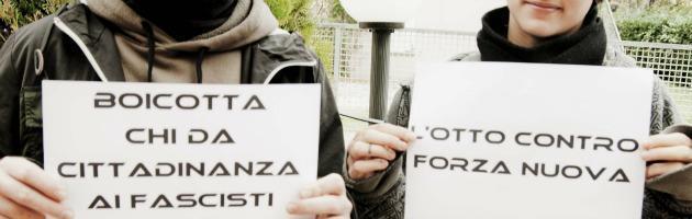 Rimini, occupato l'hotel che ospiterà il convegno di Forza Nuova