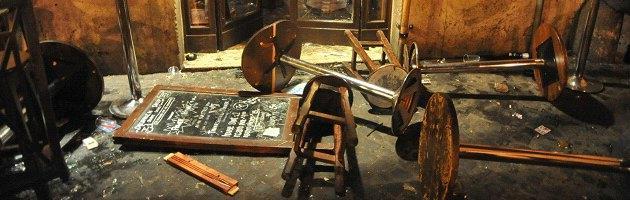 Raid tifosi in un pub: dieci inglesi feriti. Arrestati due tifosi della Roma
