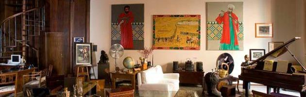 Viaggio nella casa di Lucio Dalla. Ecco le stanze dove visse il cantautore bolognese